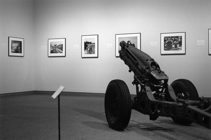 Huntsville Museum of Art WWII photo exhibit (105810-5)