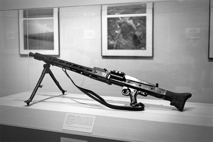 MG-42 at Huntsville Museum of Art WWII photo exhibit (105810-2)